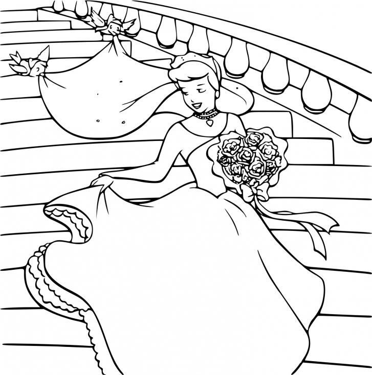 Cendrillon au bal
